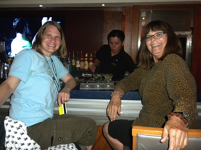Fun-with-staff-2014-cruise03